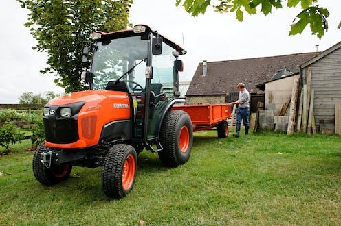 ST371 Kubota compact tractor