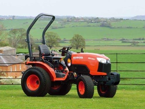 B2261 Kubota compact tractor