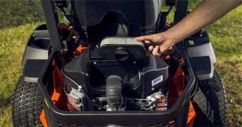 Z122R Kubota mower